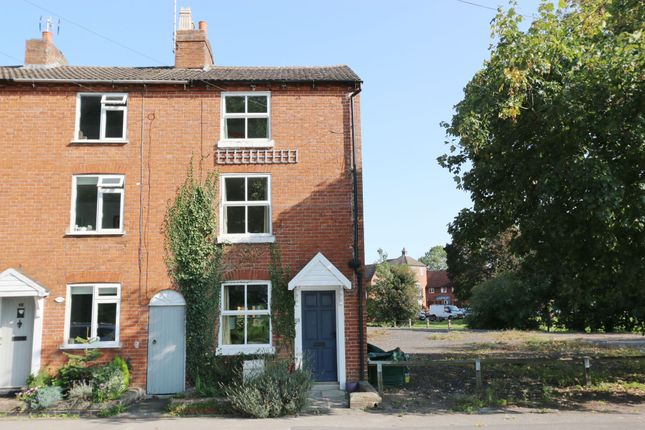 Thumbnail Terraced house for sale in Stratford Road, Alcester