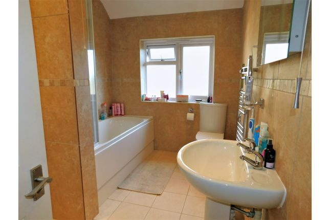 Bathroom of Maudlin Lane, Steyning BN44