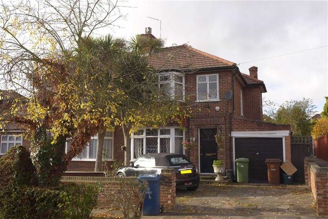 Thumbnail Property for sale in Braithwaite Gardens, Stanmore, Middx