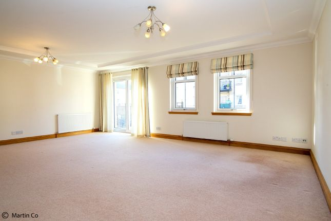 Thumbnail Flat to rent in Caledonia Road, Kirkcaldy