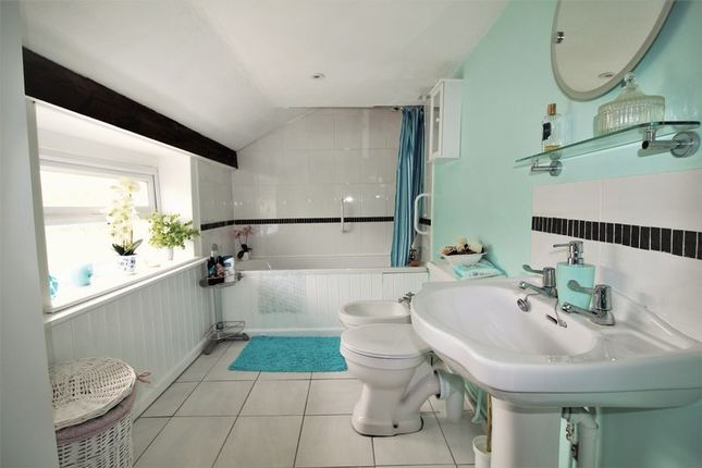 Annex Bathroom of Donyatt, Ilminster TA19