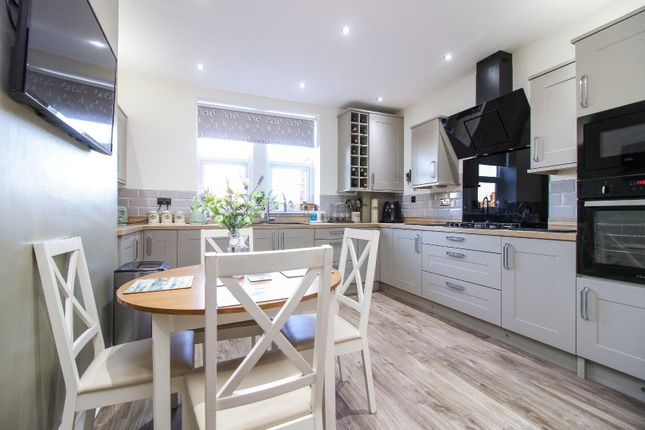 Thumbnail Maisonette for sale in Park View, Whitley Bay