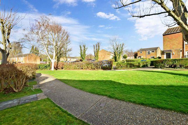 Surrounding Area of Ayelands, New Ash Green, Longfield, Kent DA3