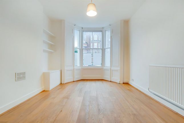 Thumbnail Maisonette to rent in Prince Of Wales Road, Kentish Town