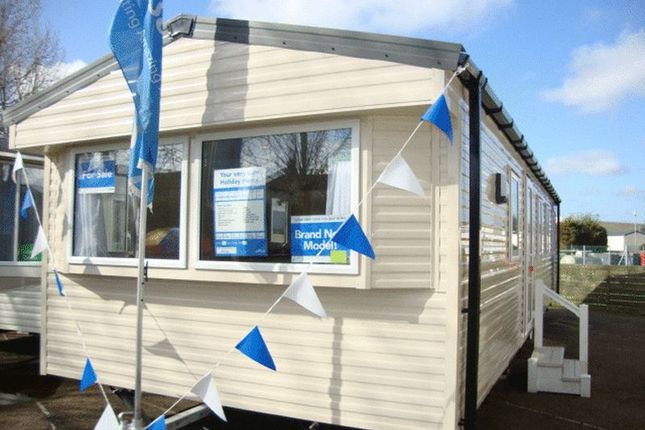 Mobile/park home for sale in Breydon Waters, Butt Lane, Burgh Castle, Great Yarmouth
