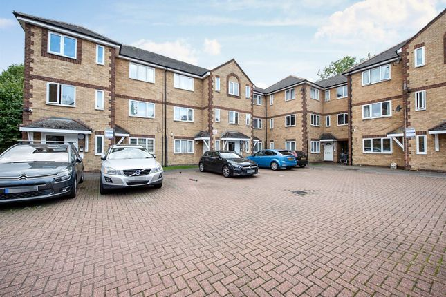 2 bed flat for sale in Vicarage Square, Grays RM17