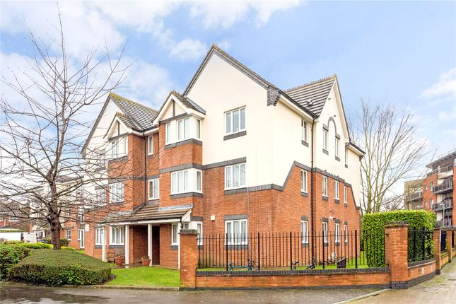 1 bed flat for sale in Roydon Court, Mayfield Road, Hersham, Walton-On-Thames KT12
