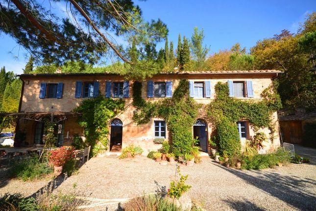 4 bed farmhouse for sale in Casa Chiusure, Buonconvento, Tuscany