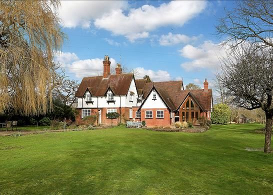 Thumbnail Detached house for sale in Bramley Corner, Hampshire
