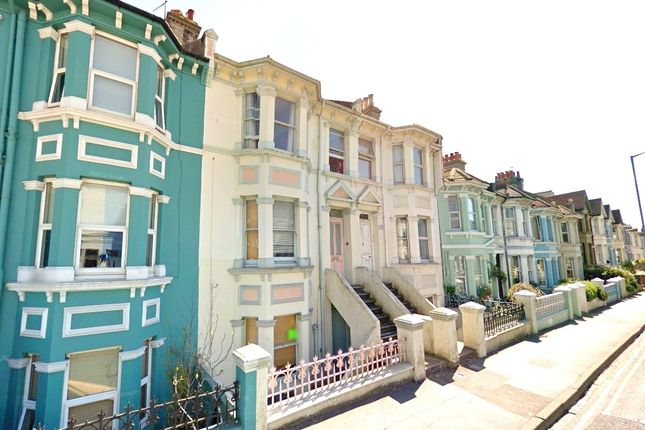 Thumbnail Shared accommodation to rent in Queens Park Road, Brighton