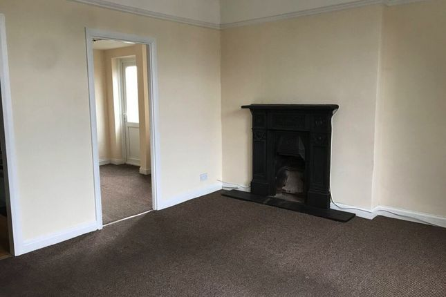 Thumbnail Flat to rent in Turncroft Lane, Stockport