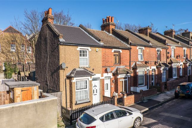 2 bed end terrace house to rent in Wingfield Road, Gravesend DA12