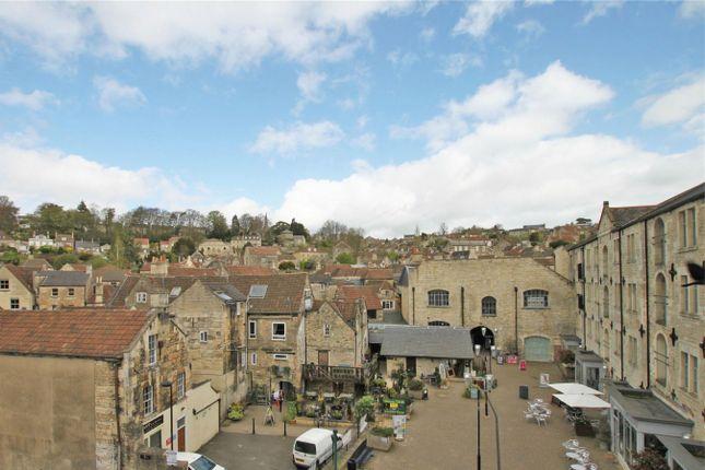 Thumbnail Flat to rent in Silver Street, Bradford-On-Avon, Wiltshire