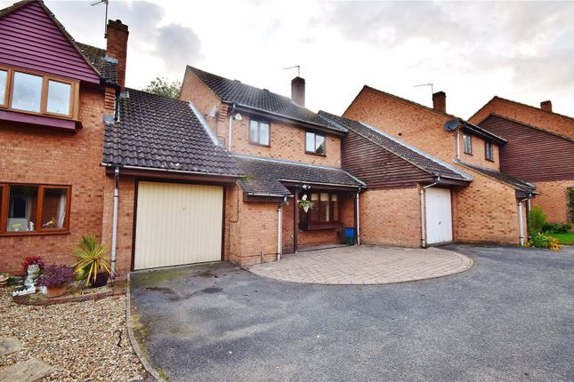 Thumbnail Link-detached house for sale in Dove Close, Thorley, Bishop's Stortford