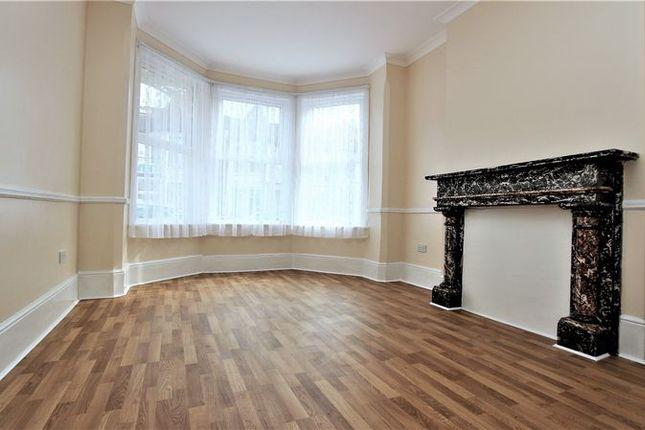 Thumbnail Flat to rent in Sylvan Avenue, London