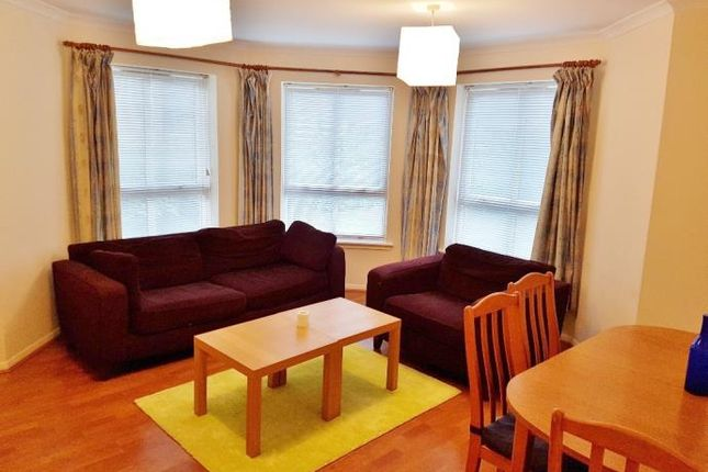 Thumbnail Flat to rent in Mcdonald Road, Leith, Edinburgh