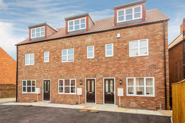 Thumbnail End terrace house for sale in Millgate, Selby