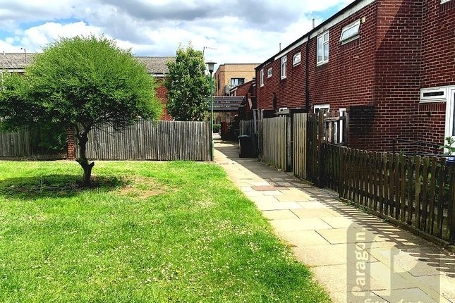 Thumbnail Terraced house to rent in South Road, Edgware