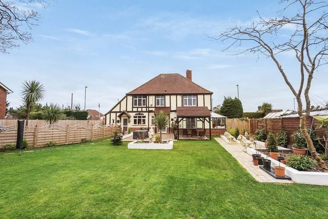 Thumbnail Property for sale in The Avenue, Fareham