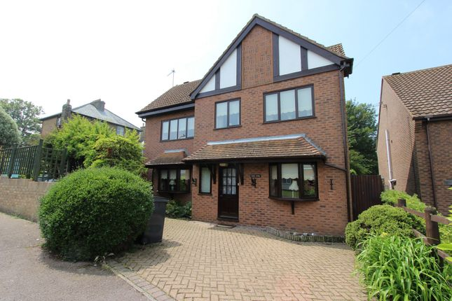 Thumbnail Detached house for sale in Nevill Gardens, Walmer