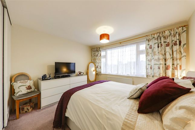 Picture No. 05 of Cantley Crescent, Wokingham, Berkshire RG41