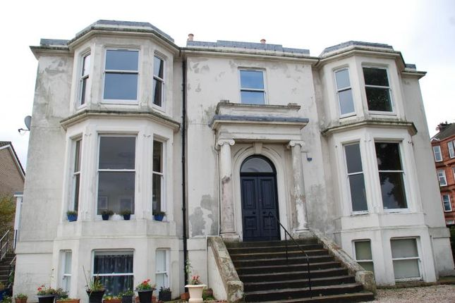 3 bedroom flat to rent in Margaret Street, Greenock