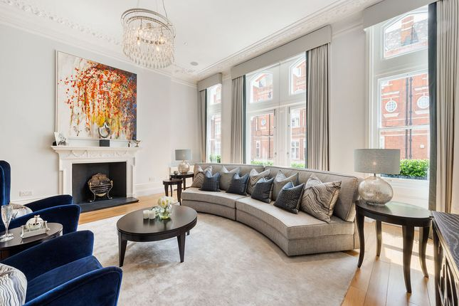Thumbnail Property for sale in Cadogan Gardens, London