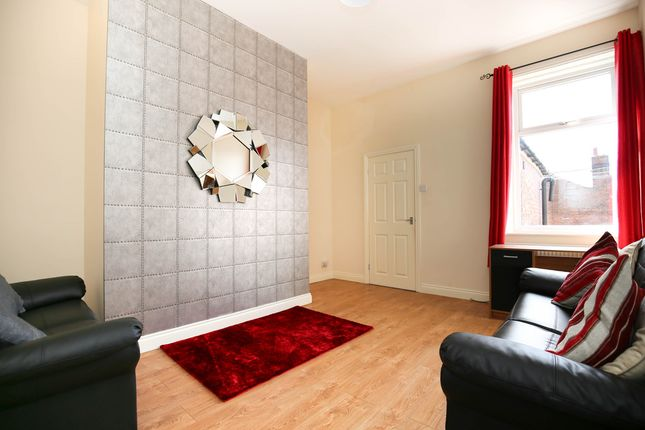 3 bed flat to rent in Trewitt Road, Heaton, Newcastle Upon Tyne