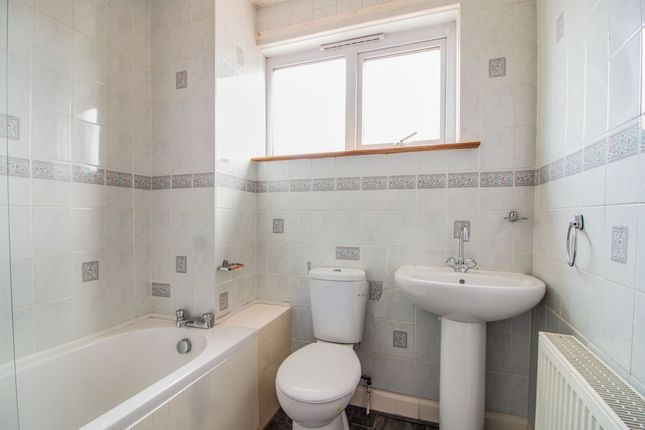 Bathroom of Gotterstone Drive, Broughty Ferry, Dundee, Angus DD5
