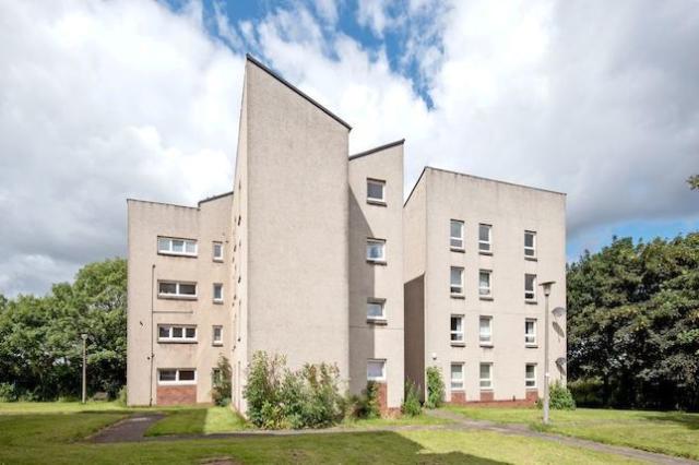 Thumbnail Flat to rent in Kingsknowe Court, Kingsknowe, Edinburgh EH14,