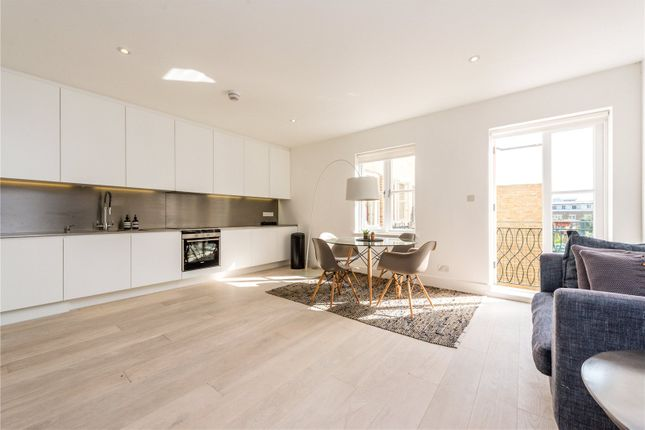 2 bed flat to rent in Spital Square, London E1