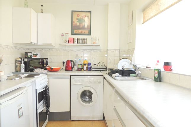 1 bed flat to rent in Rowland Court, 97 Addiscombe Road, Croydon