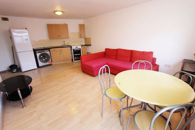 Thumbnail Flat to rent in Ellesmere Road, Greenford