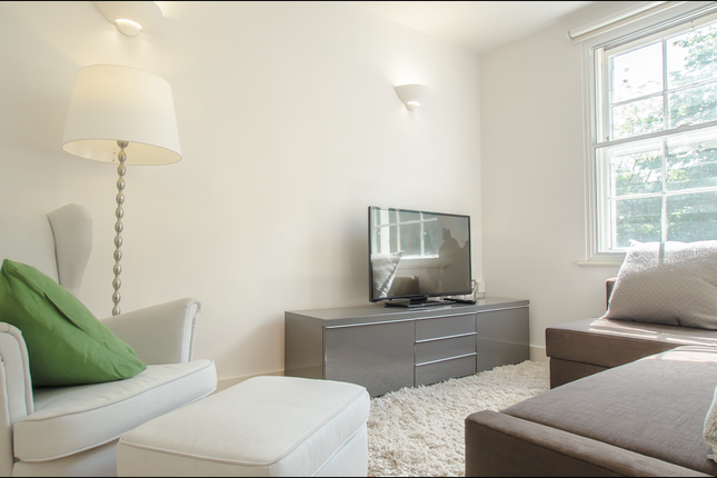 Thumbnail Duplex to rent in 333 Goswell Road, Angel, London