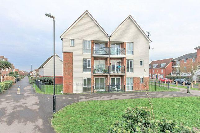 2 bed flat to rent in Crocus Drive, Sittingbourne ME10