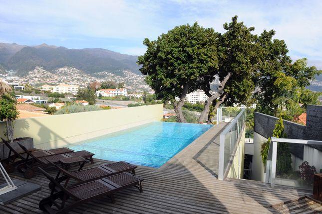 Thumbnail Villa for sale in Rua Doutor Barreto, Funchal, Madeira Islands, Portugal