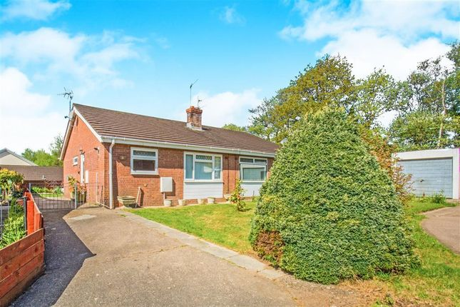 Thumbnail Bungalow to rent in Nant-Y-Hwyad, Caerphilly