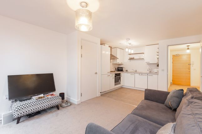 Thumbnail Flat to rent in Carter House, Petergate, Battersea