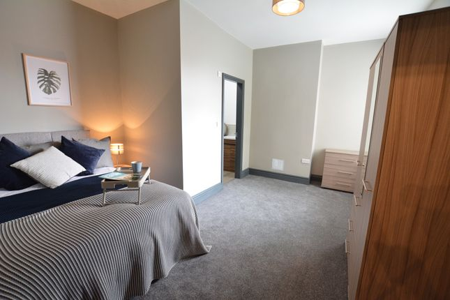 Thumbnail Shared accommodation to rent in Churchgate, Stockport, Cheshire