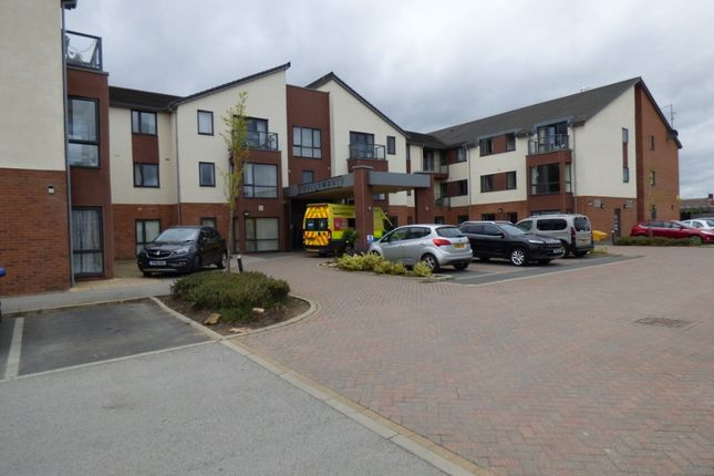 Thumbnail Flat for sale in Swallowdale, Edlington, Doncaster