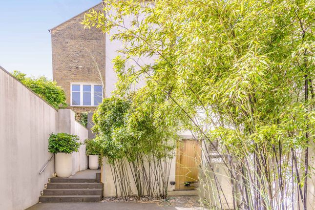Thumbnail Flat for sale in Gaskin Street, Islington, London