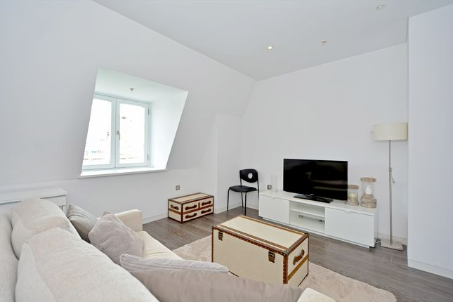 1 bed flat for sale in The Strand, London