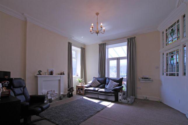 Thumbnail Semi-detached house to rent in Bradford Road, Bingley