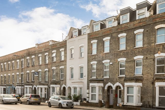 Flat to rent in Fonthill Road, London