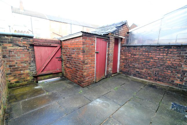 Rear Courtyard of Nelson Street, Tyldesley, Manchester M29