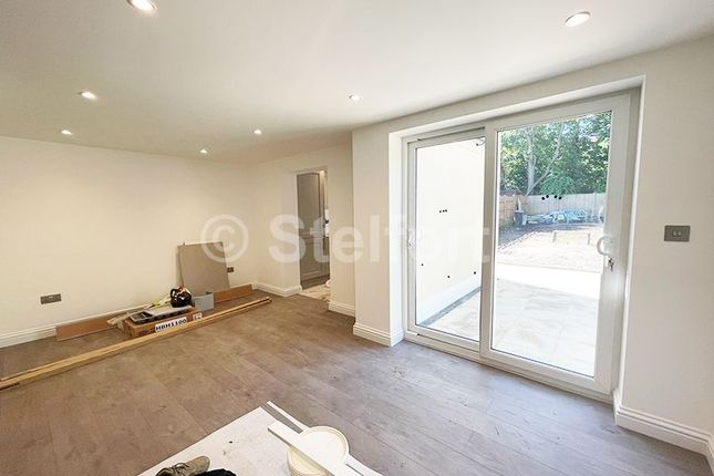 Thumbnail Terraced house to rent in Avenue Road, London