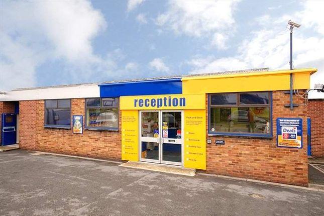 Serviced office to let in Bilton Road, Bletchley, Milton Keynes
