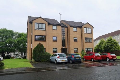 Thumbnail Flat to rent in Spiers Grove, Thornliebank, Glasgow