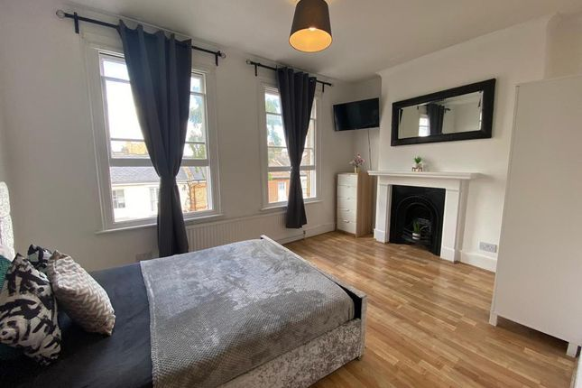 Thumbnail Shared accommodation to rent in Hinton Road, London