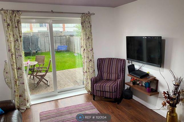 Thumbnail Maisonette to rent in Derwent Drive, Slough